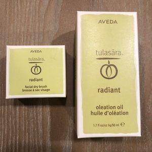 Aveda Tulasara Oleation Oil and Facial Brush